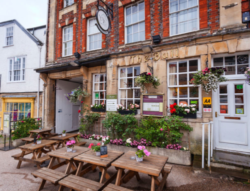 BULL AT BURFORD: SOCIAL MEDIA FOR A SMALL BUSINESS
